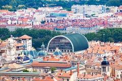 Lion pejzaż miejski z urzędu miasta i opery dachami Zdjęcia Royalty Free