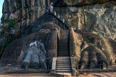 Lion Platform på Sigiriya vaggar i Sri Lanka Fotografering för Bildbyråer