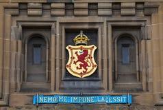Lion Rampant Crest en el castillo de Edimburgo Fotografía de archivo