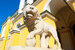 Lion sombre Images libres de droits