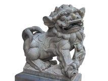 Lion Statue imperiale cinese, pietra del leone del guardiano, isolata su fondo bianco Immagini Stock Libere da Diritti