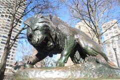 Lion Statue nel quadrato Filadelfia di Rittenhouse immagine stock libera da diritti