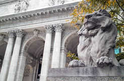 Lion Statue New York Public-Bibliothek Lizenzfreies Stockfoto