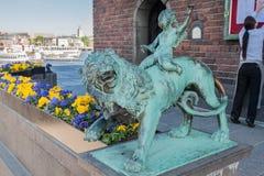 Lion Statue Town Hall Stockholm Sverige royaltyfri fotografi