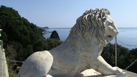 Lion Vorontsovsky Palace en la ciudad de Alupka, Crimea, Ucrania almacen de video