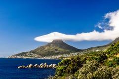 Lion& x27; s Head i moln - Cape Town, Sydafrika Arkivfoto