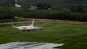 Lionair dróg oddechowych samolot, Boeing 739, Ląduje przy Phuket airp Zdjęcie Stock