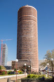 Lione Francia - 15 aprile 2015: Il giro parziale-Dieu è un grattacielo a Lione, Francia La costruzione aumenta 164,9 metri nel di Fotografie Stock Libere da Diritti