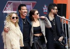 Lionel Richie, Nicole Richie, Sofia Richie e Miles Richie imagens de stock royalty free