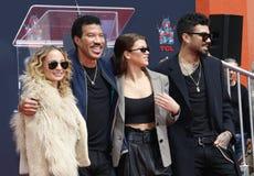 Lionel Richie, Nicole Richie, Sofia Richie och Miles Richie arkivfoton