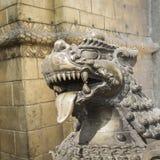 Lions, symboles de puissance et protection, dans le temple de Bhaktapur, Photographie stock