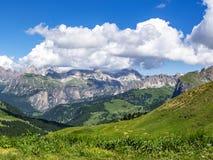 Lipa wysokogórski widok od Sella przepustki w dolomitach, Południowy Tyrol, Włochy Zdjęcia Stock