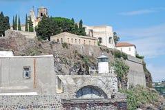 Lipari, Italië, Mening van jachthavencorta stock afbeeldingen