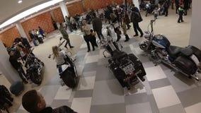 Lipeck, Federazione Russa - 13 gennaio 2018: La mostra di vecchi motocicli d'annata, video di Timelapse, la macchina fotografica  video d archivio