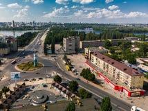 Lipetsk, Rusia - 5 de agosto 2018 vista del cuadrado del mundo y del río de Voronezh desde arriba Fotos de archivo