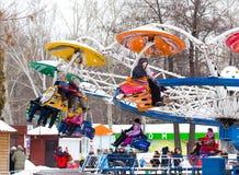 LIPETSK, RUSLAND - Februari 18, 2018: Mensen bij een Russische heidense vakantie van aantrekkelijkheidsmaslenitsa Stock Fotografie