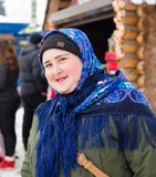 LIPETSK, RUSLAND - Februari 18, 2018: Mensen op Maslenitsa Russische heidense vakantie Stock Afbeeldingen