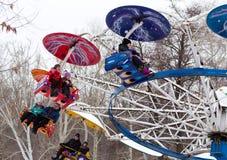 LIPETSK, RUSSLAND - 18. Februar 2018: Leute an einem russischen heidnischen Feiertag Anziehungskraft Maslenitsa Stockbild