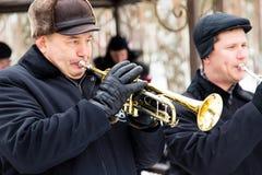 LIPETSK, RUSSLAND - 18. Februar 2018: Musiker am Festival Maslenitsa Russischer heidnischer Feiertag Stockbild