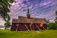 Lipiec 26, 2015: Klepka kościół Kvernes, Norwegia Obrazy Royalty Free