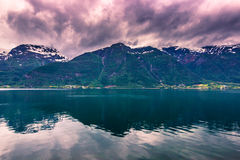 Lipiec 21, 2015: Panorama Hardanger fjord, Norwegia Zdjęcia Stock