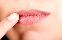 Lippen der Frau Lizenzfreie Stockbilder