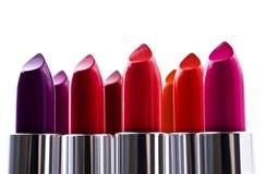 Lippenstift van verschillende kleuren Stock Foto's