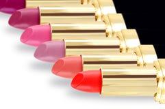 Lippenstift in verschillende kleuren Royalty-vrije Stock Foto's