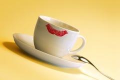 Lippenstiftmarkierung auf Cup Stockfoto