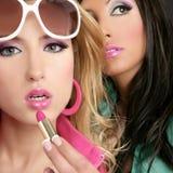 Lipstip rosado de las muchachas del estilo de la muñeca del barbie de la manera Imagen de archivo libre de regalías