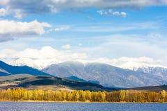 Liptovska Mara con Tatras occidental Fotografía de archivo libre de regalías