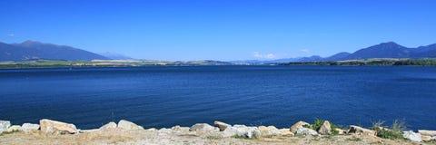 Liptovska Mara - molhe a bacia na região Liptov imagem de stock