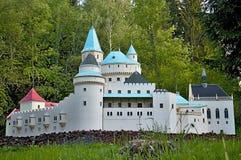 Liptovsky enero, Eslovaquia - 28 de mayo 2017: Miniatura del castillo francés de Bojnice en el ratio 1: 25 Eslovaquia hermosa Imagen de archivo libre de regalías
