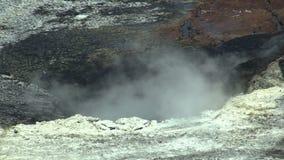 A liquação da remediação do desperdício das operações de descarga do óleo e as substâncias tóxicas, escavador preparam a lama da  video estoque
