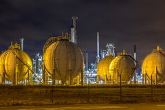 Free Liquid Natural Gas Globe Containers Stock Image - 128906481