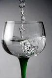 Liquide de verre à vin Images libres de droits