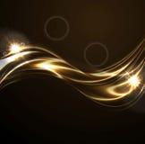 Liquides d'or lissent des vagues sur le fond noir Images stock