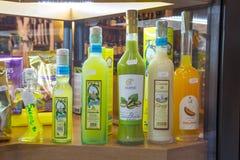 Liquore italiano tradizionale di limoncello di specialità fotografia stock