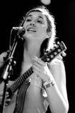 Lisa Hannigan den irländska sångaren, låtskrivare och musiker, utför på FIB Royaltyfria Bilder