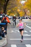 Lisa Stublic (Croacia) funciona con el maratón de 2013 NYC Imágenes de archivo libres de regalías