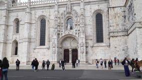 LISBOA, circa 2017: Monasterio de Jeronimos o monasterio de Hieronymites Lisboa es capital westernmost continental del ` s de Eur almacen de video