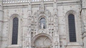 LISBOA, circa 2017: Monasterio de Jeronimos o monasterio de Hieronymites Lisboa es capital westernmost continental del ` s de Eur almacen de metraje de vídeo
