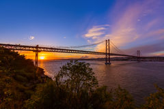 Lisboa e 25a de April Bridge - Portugal Imagens de Stock Royalty Free