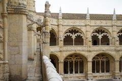Lisboa, el claustro del monasterio Dos Jeronimos Imagen de archivo