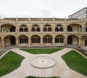 Lisboa, el claustro del monasterio Dos Jeronimos Fotos de archivo libres de regalías