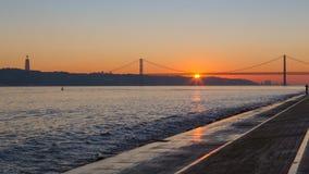 Lisboa, Portugal, Europa - opinión del embarcadero a Imagen de archivo libre de regalías