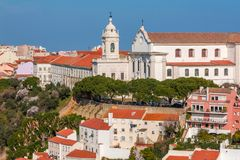 Lisboa, Portugal Graca Church e convento e Sophia de Mello Breyner Andresen Viewpoint fotografia de stock royalty free