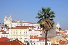 Lisboa - visión sobre Alfama Foto de archivo