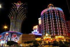 Lisboa y casino magníficos Lisboa en la noche, Macao, China fotos de archivo libres de regalías