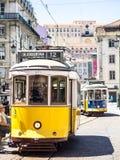 Lisbon koloru żółtego tramwaje Fotografia Stock